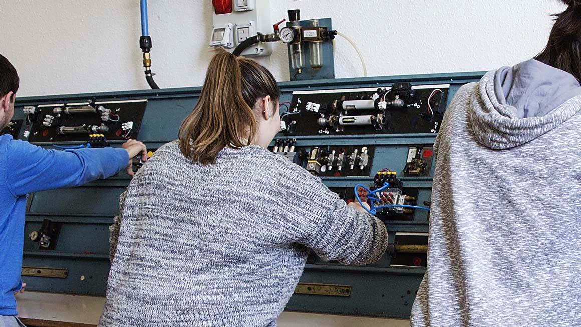 Sistemas Electrotécnicos y Automatizados