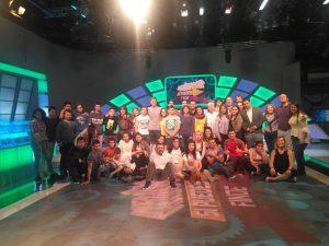 Foto de familia con los concursantes que no con el presentador