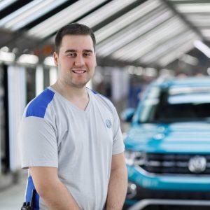 Exalumno del CIP Virgen del Camino, Julen Clavería Olite reconocido como Mejor Aprendiz del Grupo VW en el año 2019